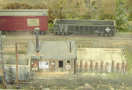 This sand facility, like several other structures on the North River, is similar to commercial kits on the market but is completely scratch built from plans in the Model Railroader.  